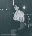Bridgewater College, Photograph of Carol Hipps playing piano at a coffeehouse, 31 March 1986 by Bridgewater College