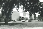 Bridgewater College, Alexander Mack Memorial Library entrance photograph, circa 1973 by Bridgewater College